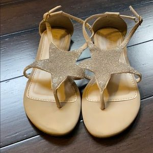 BAMBOO brand tan Star bedazzled sandal! Size 7&1/2